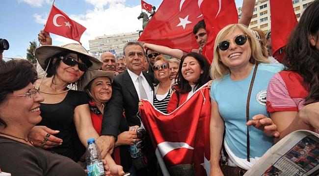 Aziz Kocaoğlu İzmir master planını projemlak.com'a açıkladı