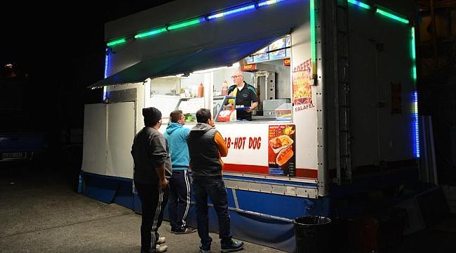 Avustralyalıların gözdesi 'karavan kebapçıları'