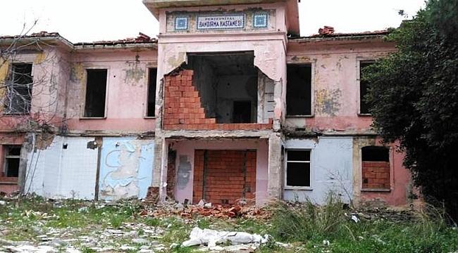 Türkiye'nin tarihi hastanesi için acil çağrı