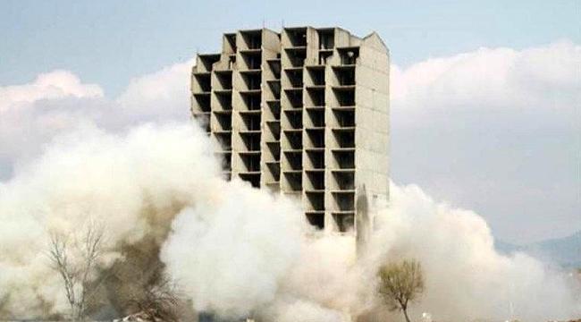 Dinamitle yıkım sırasında aksaklık yaşandı