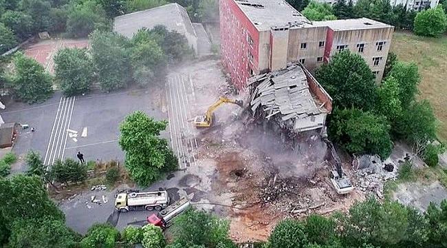 Eski Etiler Polis Okulu yıkılıyor